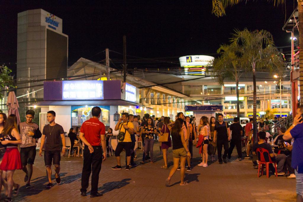 cebu mango street 1024x683 [세부 밤문화] 필리핀 세부여행, 망고스트리트 비키니바