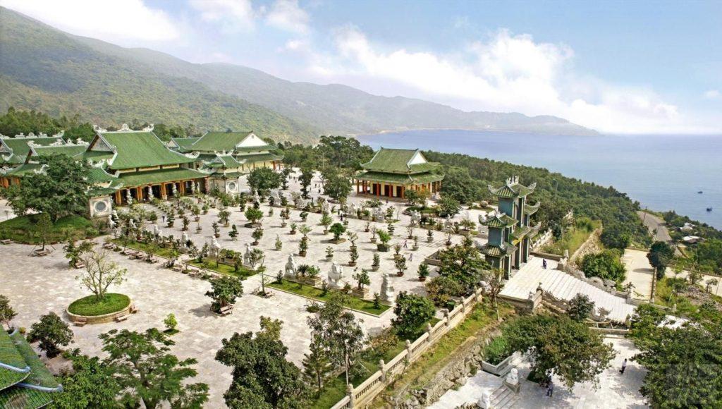 Linh Ung Bai But 1024x580 베트남 다낭여행 선짜반도 린응사원(영응사) 최대의 불상