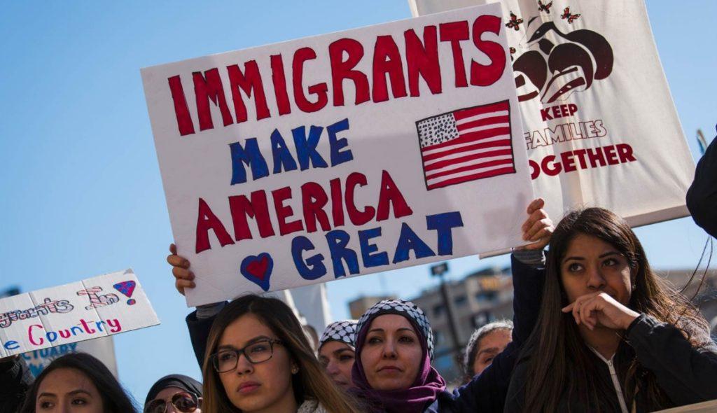 immigrants 1024x590 공항 입국심사시 자주 질문하는 영어표현