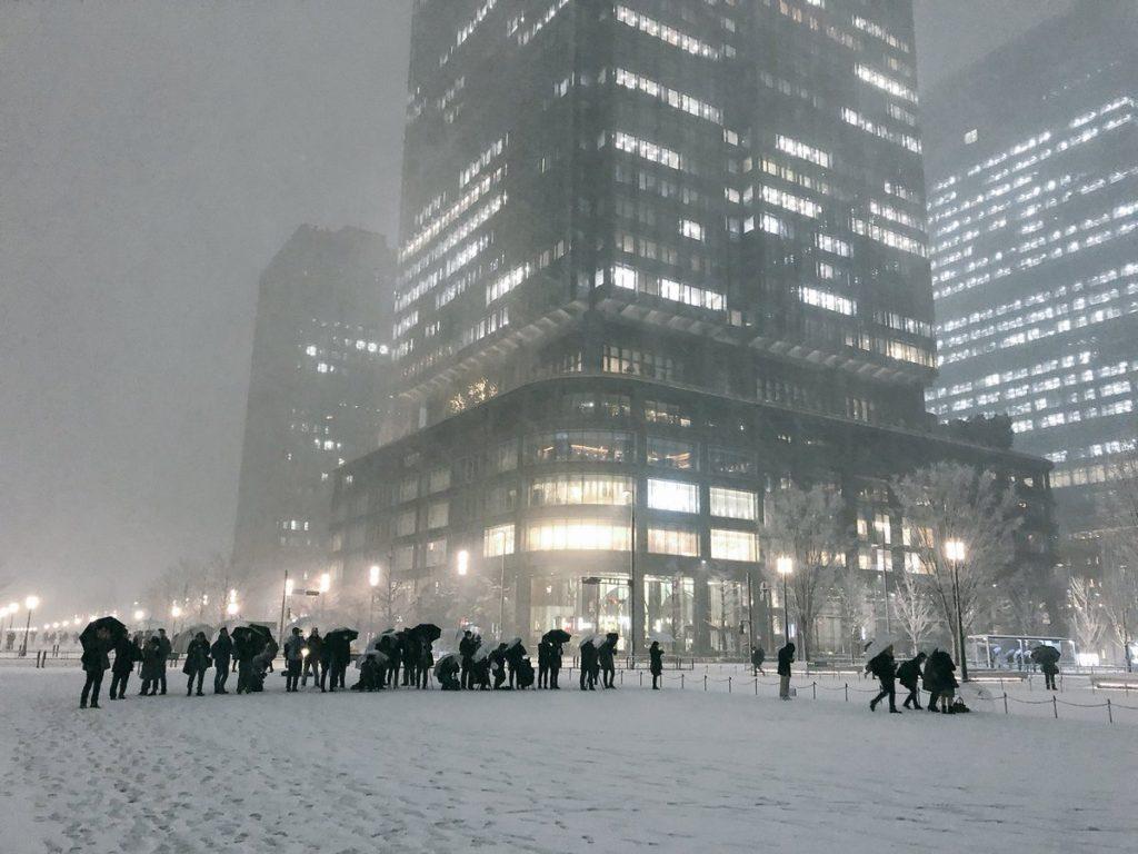 도쿄역 폭설 1024x768 도쿄 4년만의 폭설로 교통마비! 나리타공항 폐쇄