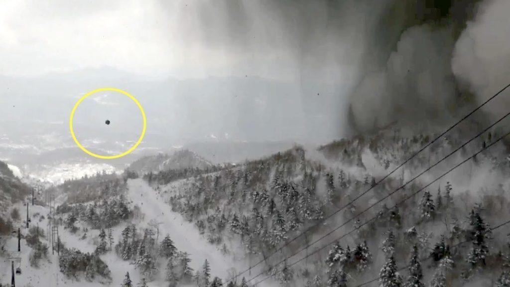 일본화산폭발 1024x576 스키어 촬영 일본 군마현 쿠사츠 화산폭발 영상과 지진