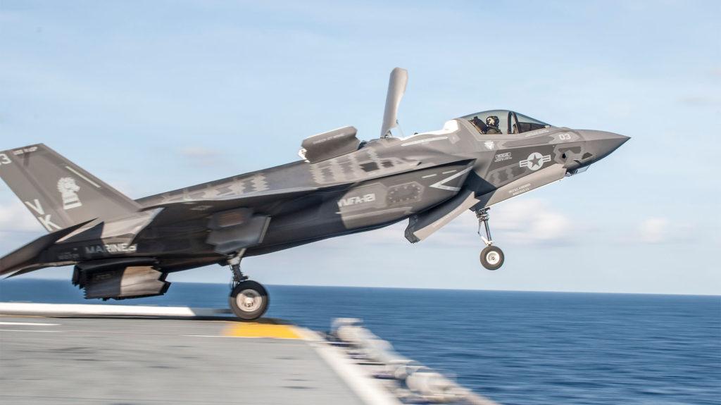 Wasp Class f35b 1024x575 미 해군 사세보 기지에 강습상륙함 와스프(LHD 1) 배치