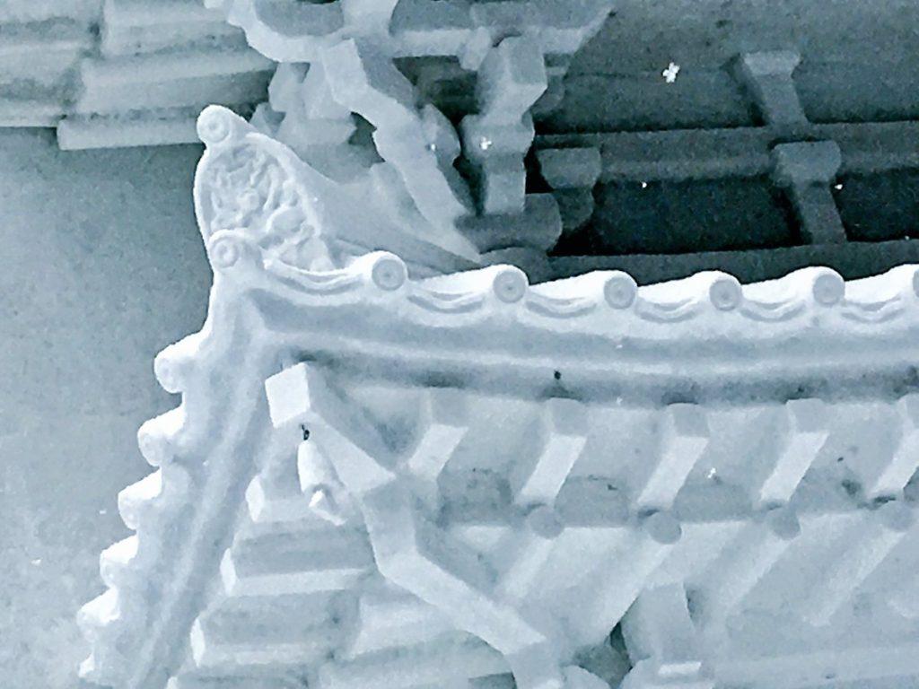 sapporo snow3 1024x768 홋카이도 삿포로 눈축제에 등장한 자위대의 눈 조각상