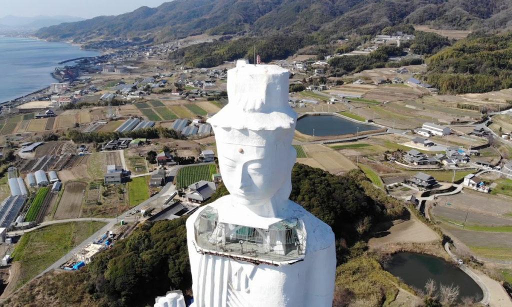 대관음상 1024x614 방치된 일본 아와지섬의 높이 100m 세계평화 대관음상 철거