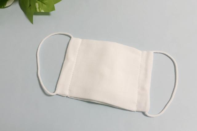 천마스크 일본정부 무료 배포 임신부용 천 마스크 불량품 많아 배포 중지