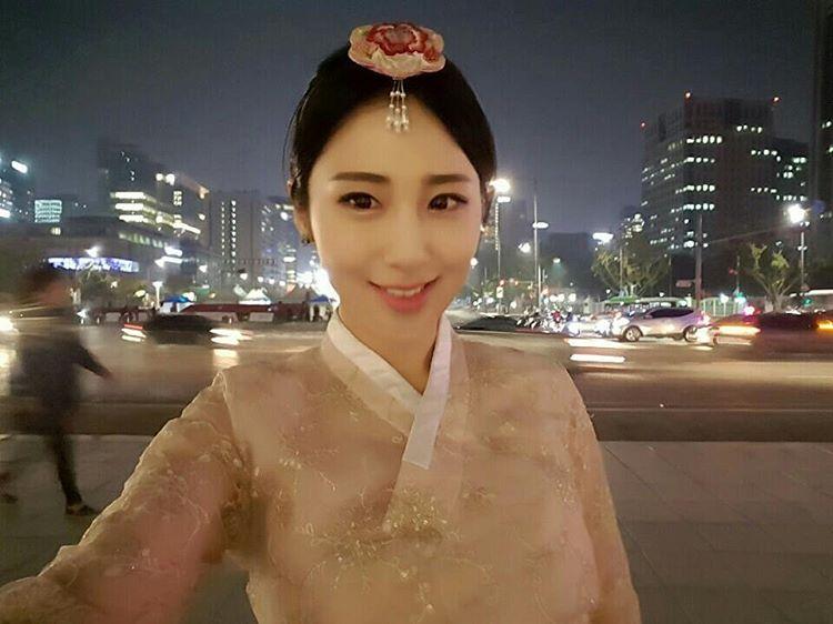 korean cloth 한복 셀피 경복궁 야간개장 광화문 삼청동