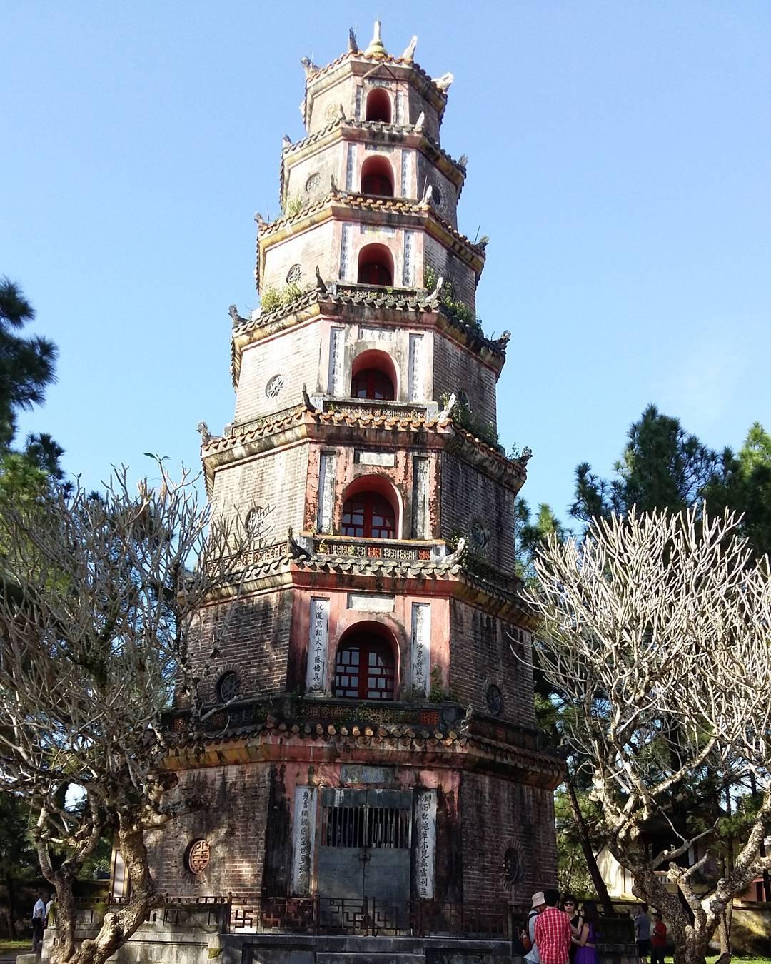 15877204 1745544422422873 1784269486526824448 n 베트남 후에의 티엔무 사원 8각7층 석탑