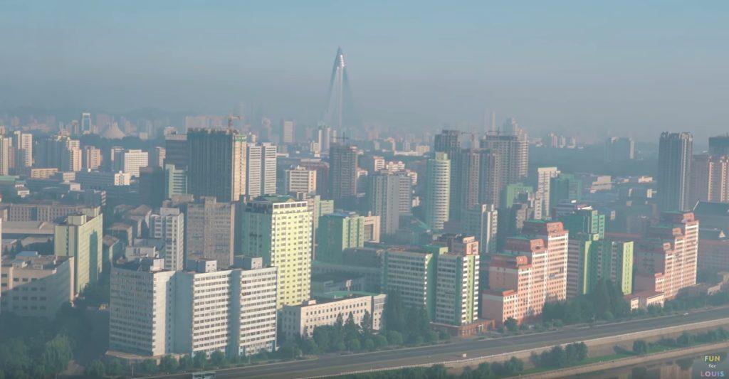 pyongyang traveling 1024x533 [취업대신여행] 영국인 유튜버 루이스의 북한 평양여행