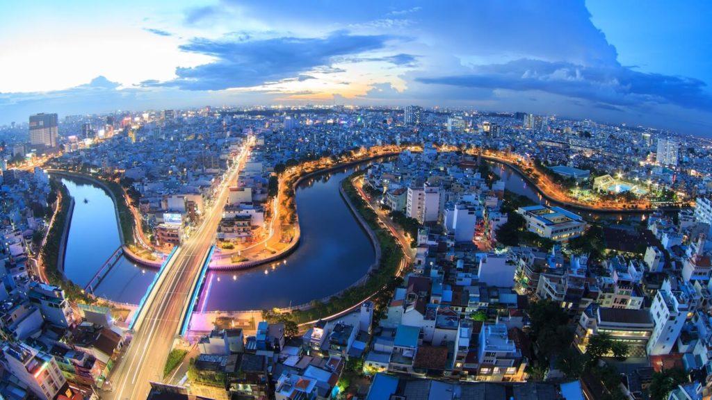 vietnam hochiminh guide 1024x576 화려하고 소박한 멋! 베트남 호치민 여행 영상