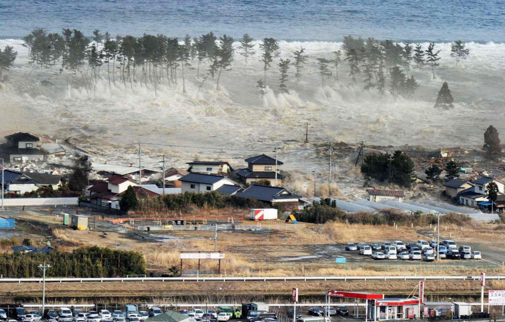 tohoku earthquake tsunami 1024x653 도호쿠 지방 동일본대지진 당시의 괴멸적인 쓰나미 영상