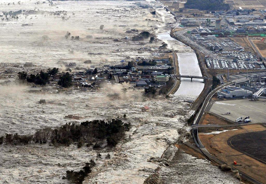 tohoku earthquake tsunami2 1024x706 도호쿠 지방 동일본대지진 당시의 괴멸적인 쓰나미 영상