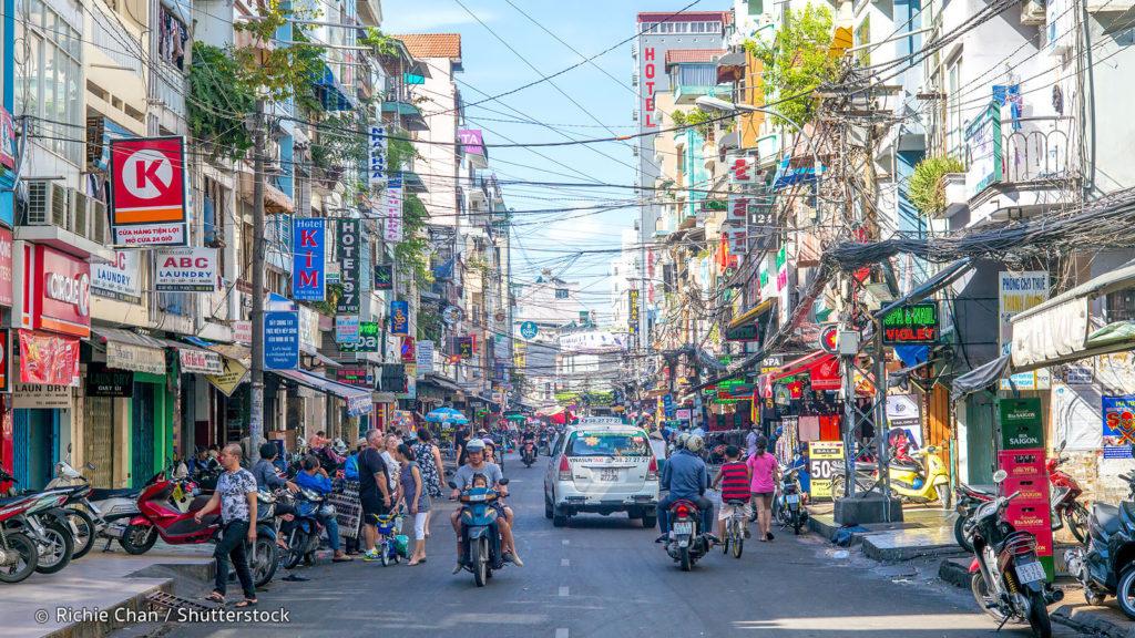 pham ngu lao street 1024x576 베트남 호치민의 밤문화 여행자거리 데탐