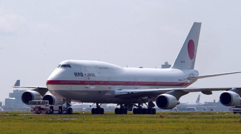 BOEING 777 300ER 1024x570 일본 정부전용기 내부와 대통령 탑승 공군1호기! 터치앤고 훈련