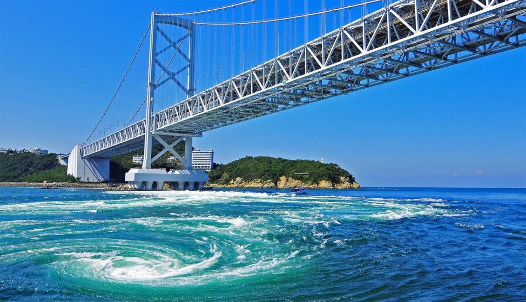 나루토 소용돌이 1024x589 일본 여름축제 도쿠시마 아와오도리와 3대 봉오도리