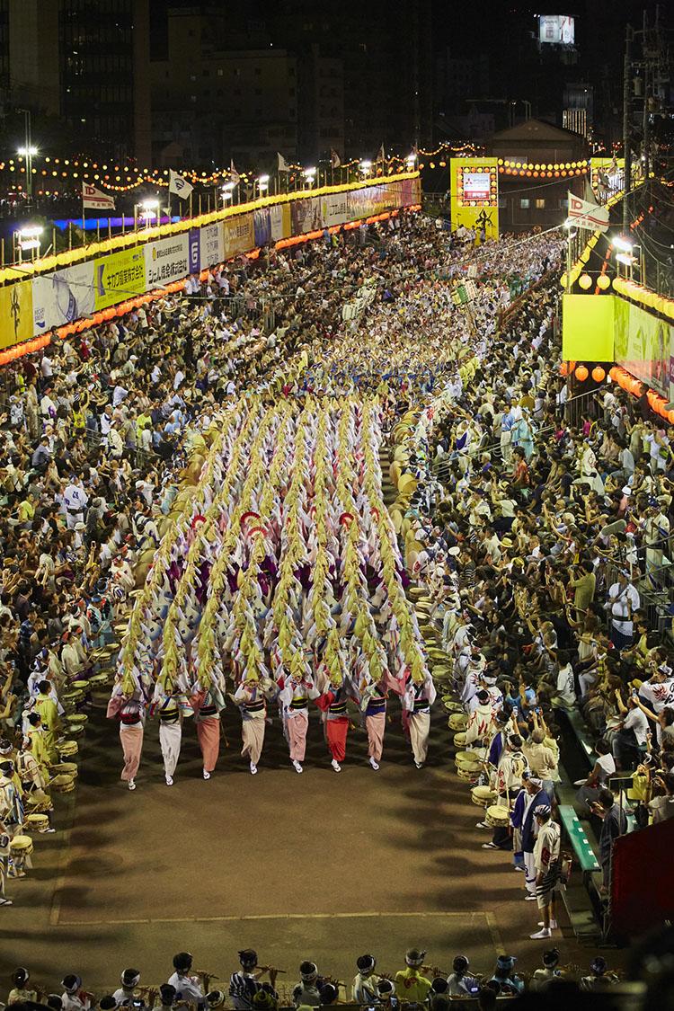 도쿠시마 아와오도리 일본 여름축제 도쿠시마 아와오도리와 3대 봉오도리