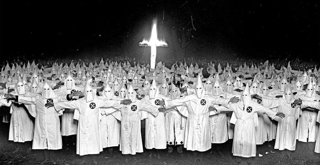 KKK 1024x530 미국의 백인우월주의 비밀결사 KKK 공개 집회