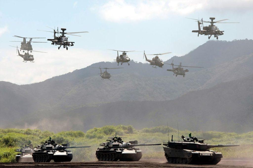 일본 군사훈련 종합 화력 연습 1024x682 일본 군사훈련 후지종합화력연습 공격용 코브라 헬기 불시착