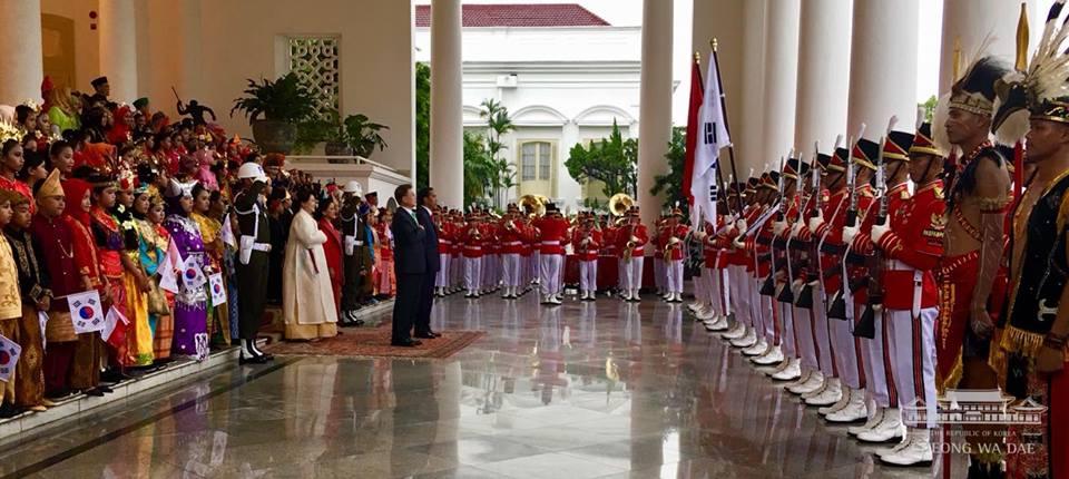 문재인 대통령 인도네시아 국빈방문 공식환영식 문재인 대통령의 인도네시아 국빈 방문 일정 및 연설 전문 소개