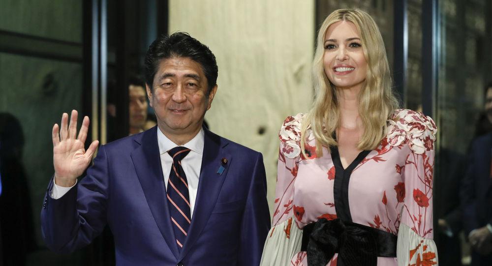 아베 일본총리 이방카 트럼프 일본방송 이방카 트럼프 생중계, 아베의 극진한 대접과 그녀의 패션 스타일