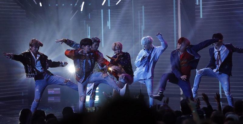 BTS DNA American Music Awards 방탄소년단(BTS) AMAs 공연과 미국 지상파 토크쇼 출연! 해외에서 인기가 많은 이유는?