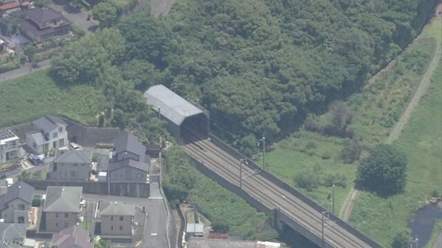 신칸센사고 터널 일본 신칸센 인사사고! 본네트에 핏자국과 신체일부가..