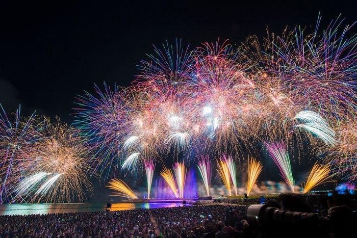 아무노나미에 은퇴 불꽃놀이 아무로 나미에 연예계 은퇴! 고향 오키나와에서 마지막 공연