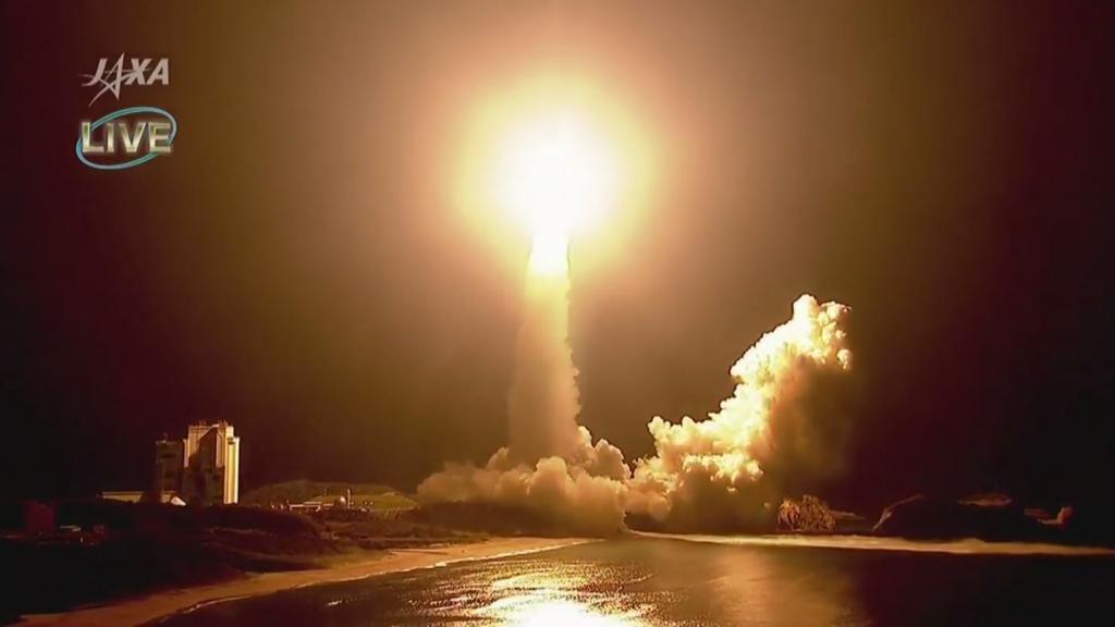 일본로켓 1024x576 일본 무인우주선 코우노토리 7호기 탑재 H2B 로켓 발사
