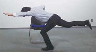 암레그레이즈 요통에 특효 셀프케어 3초 스트레칭 체조와 코어근육 강화 드로인 운동법