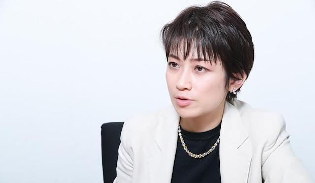 mochizuki 외신기자, 일본 정치인 국민 무서워 안해.. 스가와 모치즈키 기자