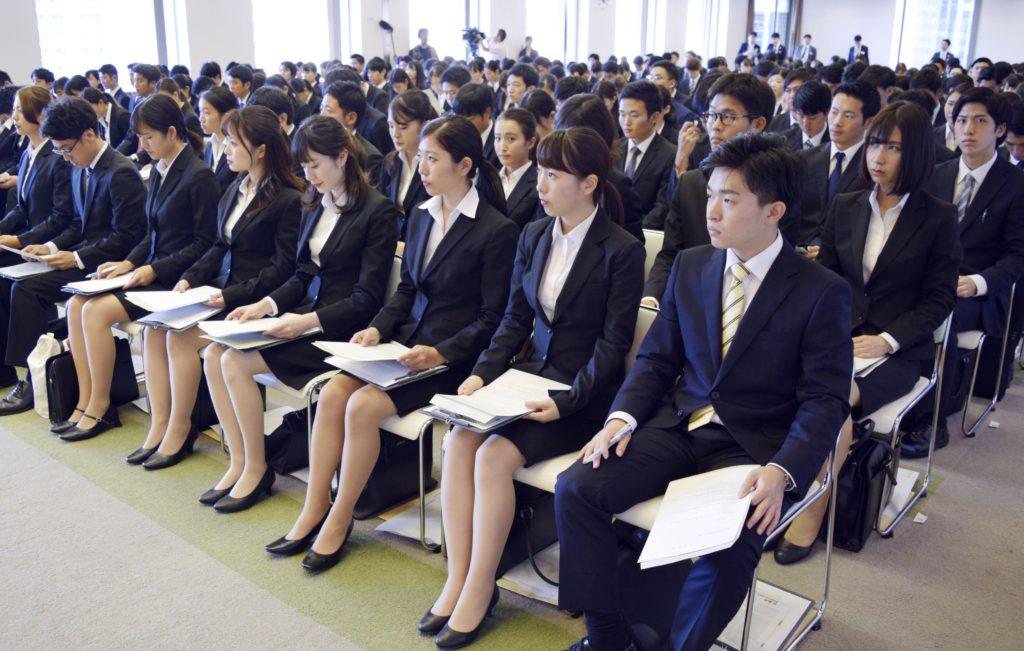 대졸취업자 1024x651 부러운 일본 취업률, 2019년 대졸예정자 취업 내정률 87.9%
