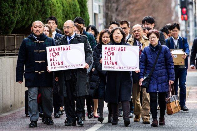동성결혼 동성결혼 불인정은 헌법 위배! 일본 동성커플 13쌍 첫 집단소송