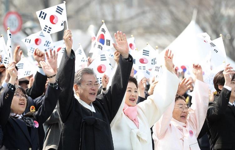 31절 기념사 새로운 100년! 신한반도체재, 문재인 대통령 제100주년 3⋅1절 기념사 전문