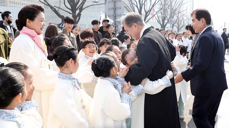 31절 새로운 100년! 신한반도체재, 문재인 대통령 제100주년 3⋅1절 기념사 전문