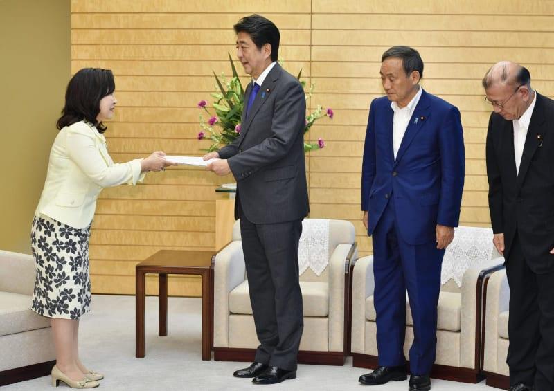 일본공무원 평균연봉 일본 인사원, 국가공무원 급여 6년 연속 인상 권고! 평균 연봉은 680만엔