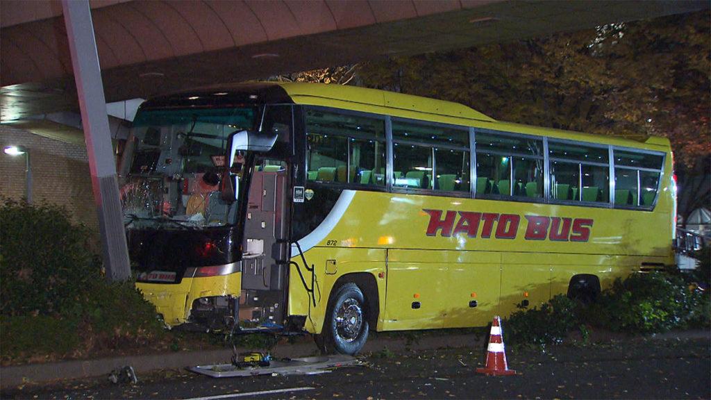 hato bus 1024x576 도쿄 신주쿠 시티투어 하토버스와 하이어 택시 충돌 사망사고
